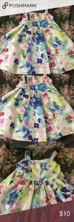 Girls Youngland dress Youngland dress size 6 for girls worn a few times Youngland Dresses Formal