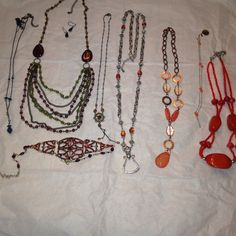 ❤️ 10 pcs Vintage Necklace Sets This vintage 10 piece set consist of seven necklaces two pairs of earrings and one bracelet! Top designer such as Monet. Jewelry Necklaces