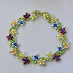 Seed bead flower necklace tutorial