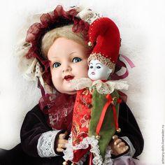 Приветствую всех! Сегодня хочу показать вам мой вариант изготовления знаменитой куклы Marotte. Почему свой? А потому, что я буду импровизировать «по мотивам», а желающие могут повторить эту работу и получить в результате куколку для вашей антикварной куклы... или для себя. Время работы указано примерно. Для тех, кто не знает, что такое Marotte — короткая справка: «...