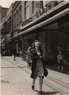 U.S. Everyday life, 1940s  1940s lifestyle loved by Pretty Retro www.prettyretro.co.uk