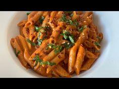 Tomato Pasta Recipe, Creamy Tomato Pasta, Penne Pasta Recipes, Spicy Pasta, Creamy Pasta Recipes, Spaghetti Recipes, Spicy Recipes, Pasta Dishes, Beef Recipes