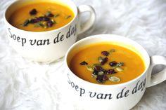 Pompoen zoete aardappel soep > pompoen, wortel, zoete aardappel, prei, ui, knoflook, bouillon, nootmuskaat