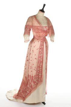 Dress ca. 1910