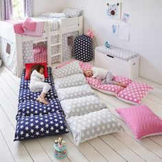 Sew five pillow cases together, then add the pillows. This roll up mattress makes an easy to use, extra kids' bed; the five, squidgy pillows don't require any inflation either.
