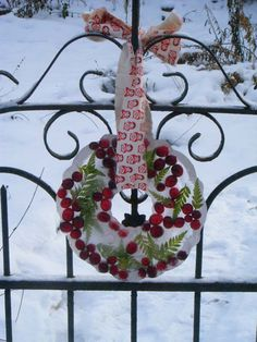 If I lived in a snowy and cold climate I would so make this ice wreath.