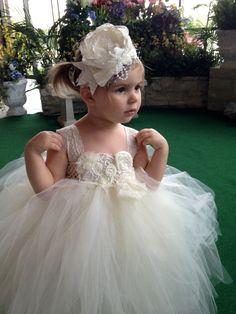 Flower girl tutu dress/ Ivory tutu dress/Custom tutu dress that can be made in any color combinations. how cuuuute for Kins! Girls Tutu Dresses, Tutus For Girls, Little Girl Dresses, Flower Girl Tutu, Flower Girl Dresses, Flower Girls, Bridesmaid Flowers, Bridesmaid Dresses, Wedding Attire