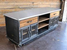 Large Boxcar Ellis Console – Model #E46
