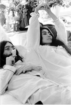 John Lennon and Yoko Ono/ Hair peace, bed peace.Make Love Not War Wes Wilson, John Lennon Yoko Ono, San Francisco, Give Peace A Chance, Major Tom, Cinema, Famous Couples, The Fab Four, Music Film