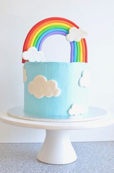 White chocolate mud cake How to make a rainbow birthday cake Birthday Cakes For Men, Best Birthday Cake Designs, Homemade Birthday Cakes, Women Birthday, Cake Birthday, White Chocolate Mud Cake, Cloud Cake, Rainbow Birthday Party, Cake Decorating Techniques