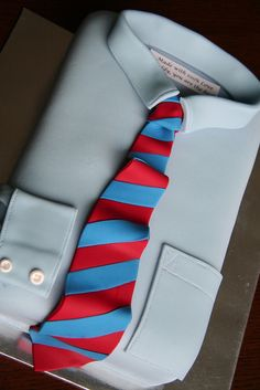 This tie cake would just make any dad's day! Seen on Cake Wrecks. Cakes For Men, Just Cakes, Happy Fathers Day Cake, Shirt Cake, Cake Wrecks, Unique Cakes, Novelty Cakes, Occasion Cakes, Fancy Cakes
