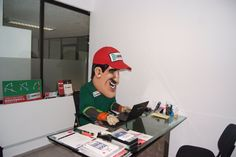 En la oficina!! Selfie, Mirror, The Office, Offices, Hilarious, Mirrors, Selfies