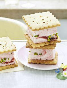 Erdbeerparfait-Sandwich