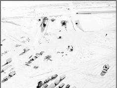 Eisiger Stützpunkt für den Kalten Krieg: 1959 errichtete das US-Militär das «Camp Century» in Grönland. Die heute verlassene Anlage liegt bis zu 35 Meter unter dem Eis und umfasst…