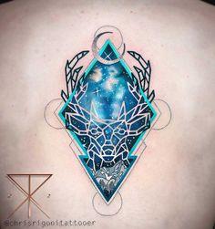 Você precisa conhecer esse tatuador.Chris Rigoni mora em Perth, na Australia e é um baita artista. Ele usa uma mistura inteligente de técnicas, especialmente de tinta preta e cores vibrantes; com …