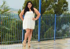 vestido branco plus size. modelo Nanda Assis