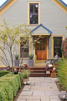 Getting ready to paint your home's exterior? Find the perfect exterior color combination with these tips on choosing house paint colors #exteriorpaintcolorsforhouse #homeremodel #colorschemes #bhg Exterior Color Combinations, Exterior Color Schemes, Paint Color Schemes, Exterior Paint Colors For House, Paint Colors For Home, House Colors, Outdoor Paint Colors, Craftsman Bungalows, House Painting