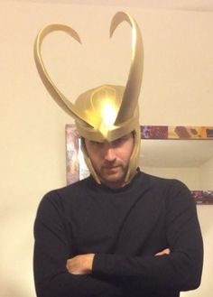 Loki Helmet Quick Tips - JFcustom foam file Totally being loki for halloween. Homemade Costumes, Diy Costumes, Halloween Costumes, Halloween 2014, Costume Ideas, Thor Cosplay, Cosplay Diy, Cosplay Ideas, Loki Helmet