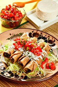 Tacos dorados de huitlacoche