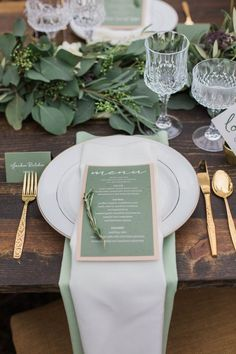 photo: Conforti Photography; green wedding reception menu idea