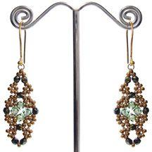 Venetian Earrings Pattern at Sova-Enterprises.com Lots of free beading patterns and tutorials.