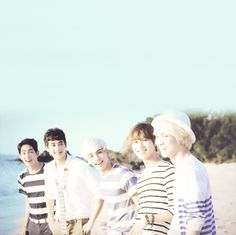 SHINee - The sexiest boys and Minho keep ur eyes off Taemin. We all know he is yours and only yours.