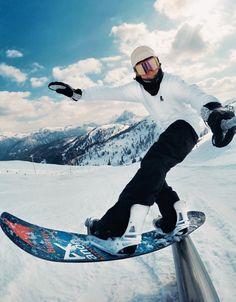 Rails make #clemensmillauer smile! #bluetomato #snowboarding #snowpark #rails #freestyle