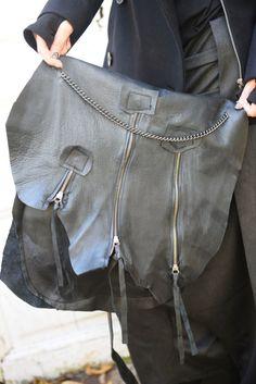 Black Leather Bag / Zipper Bag with Chains / от Metamorphoza