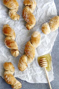 40-Minute Honey Wheat Pretzel Twists   girlversusdough.com @girlversusdough #pretzels #honey #wholewheat #baking #recipe