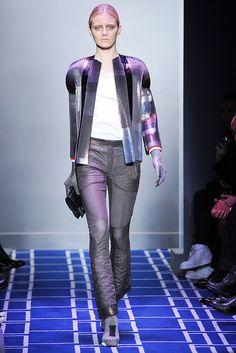 Balenciaga Spring 2009 Ready-to-Wear Fashion Show - Kori Richardson (OUI)
