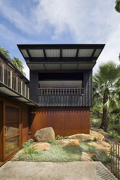 Built by Casey Brown Architecture in Palm Beach, Australia Clad in dramatic burnt timber, and the ochre tones of weathered steel sheets, this holiday house is sure to satisfy t. Australian Architecture, Contemporary Architecture, Architecture Details, Interior Exterior, Exterior Design, Pacific Homes, House Built, House Painting, Cladding