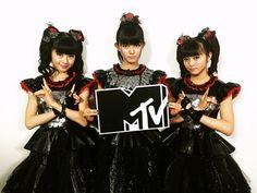 BABYMETAL、新作のリリースを記念して4月にMTVで3つの特別番組が放送されることに | NME Japan