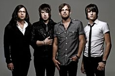 Kings of Leon .... Wofukinhoo seeing them 2nite :)))) Excited much!!!!!