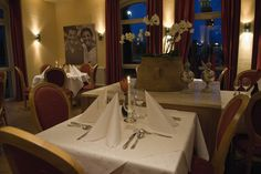 Restaurant im AKZENT Hotel Altenberge Restaurant, Table Settings, Dining Table, Home Decor, Mediterranean Dishes, Double Room, Open Plan Kitchen, Beer Garden, Decoration Home