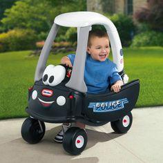 DEJA OFFERT,Merci ! Little tikes - Cozy coupé Police - vuà 65€ sur Amazon - Maintenant, cette voiture préférée des enfants a une nouvelle allure! • De nouvelles caractéristiques incluent un plancher amovible, une poignée à l'arrière du toit qui permet aux parents de contrôler l'avancée du véhicule. •Dossier arrière haut et espace de rangement à l'arrière. •Capuchon de réservoir d'essence qui s'ouvre et se ferme, clé de contact. • Pneus solides et robustes, roues avant tournent à 360°.