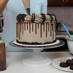 Classic Oreo drip cake with dark chocolate layers Credit chelsweets Chocolate Drip Cake Birthday, Birthday Drip Cake, 18th Birthday Cake, Birthday Cakes For Men, Chocolate Cake, Teen Boy Birthday Cake, Gothic Birthday Cakes, Chocolate Buttercream, Layer Cake Oreo