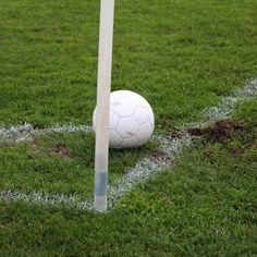 Uitslagen oefenwedstrijden clubs uit de regio Gisteravond werden in de regio een aantal oefenwedstrijden gespeeld. Hieronder volgen de uitslagen. RVC'33 wint de uitwedstrijd tegen Nicolaas Boys met 2-3. WDS speelde in een gelijkopgaande wedstrijd met 3-3 gelijk tegen VV Bodegraven. In de 30e min kwam Bodegraven op 0-1 door een doelpunt van Said Boutaybi. In de 32e min scoorde WDS de 1-1 door een doelpunt van Rick Wils. In de tweede helft was Rick Wils opnieuw trefzeker en tekende hij de 2-1…