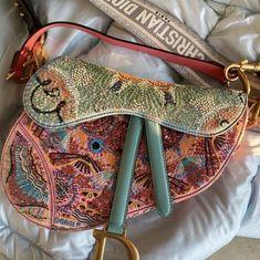 Fashion Bags, Fashion Accessories, Teen Girl Fashion, Devil Wears Prada, Mature Fashion, High Fashion, Backpack Purse, Luxury Bags, Mini Bag