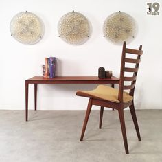 Midcentury design on www.19west.de. Wall lamps: Hillebrand. Side table: Georg Leowald for Wilkhahn. Chairs: Cees Braakman for Pastoe. #19west #vintage #design #designclassic #mcm #20thcentury #midcentury #1950's #1960's #ceesbraakman #pastoe #wilkhahn