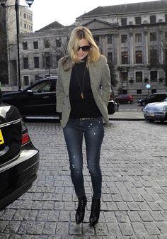 Kate Moss Blazer - Kate Moss Clothes Looks - StyleBistro