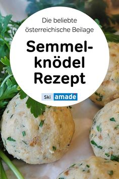 Der Knödel, im Deutschen auch als Kloß bekannt. Knödel ist eine äußerst beliebte Beilage bei typisch österreichischer Hausmannskost. Auch als Hauptspeise steht es auf so mancher Menükarte. Hier finden Sie ein leckeres Rezept zum Nachkochen. Bread Dumplings Recipes, Dumpling Recipe, Cook At Home, Baked Potato, German Dumplings, Potato Salad, Skiing, Side Dishes, Cooking Recipes