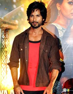 I was never approached and denied for Milan Talkies, says Shahid Kapoor! - http://www.bolegaindia.com/gossips/I_was_never_approached_and_denied_for_Milan_Talkies_says_Shahid_Kapoor-gid-35943-gc-6.html