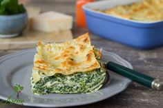 Lasagna with spinach and ricotta - Flavors story Spinach Lasagna, Spanakopita, Ricotta, Quiche, Breakfast, Ethnic Recipes, Food, Morning Coffee, Meal