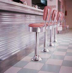 Cheap Home Decoration Stores Vintage Diner, Retro Diner, Fifties Diner, Vintage Signs, Hd Diner, Pink Cafe, Pastel Interior, American Diner, Tumblr