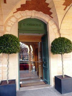 The Marais, L'Ambroisie, 3 Stars Michelin Restaurant, Chef : Bernard Pacaud, 9 Place des Vosges, Paris IV