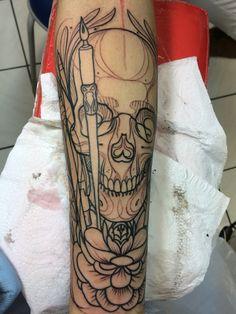 Primeira sessão de linhas / tattoo neotrad