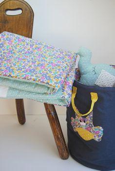 Très grande couverture bébé en liberty , thème hibou : Linge de lit enfants par 1-2-3-picoti