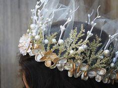 Crown Princess flor de nácar y oro corona por BloomDesignStudio