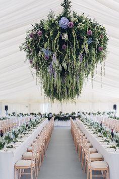 Elegante Navy Und Cremig Hochzeit Mit Einem Wald Fühlen   #Cremig #einem #elegante #Fühlen #Hochzeit #Navy #Wald