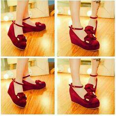 Sepatu 107 Merah
